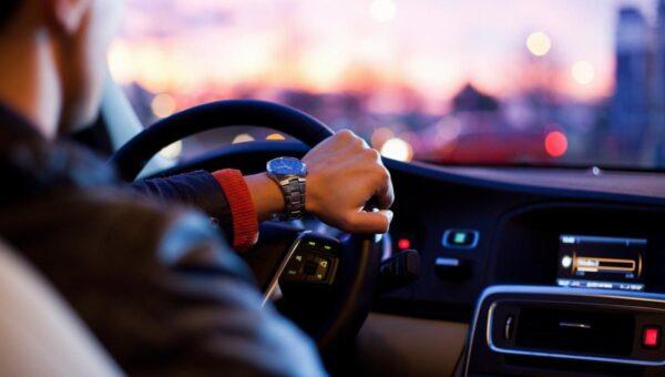 Trascorrere molto tempo in auto: gli optional a cui non si può rinunciare